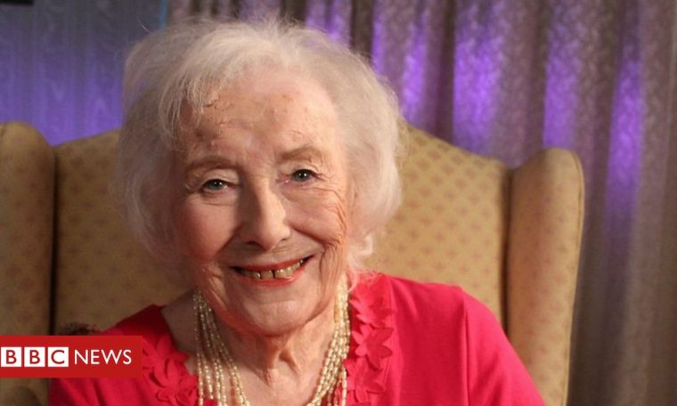 Dame Vera Lynn: Forces' Sweetheart dies aged 103