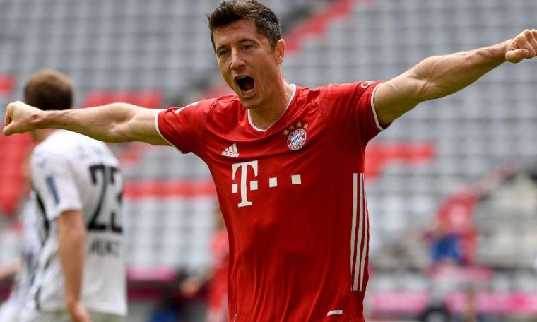 Robert Lewandowski breaks Bundesliga scoring record