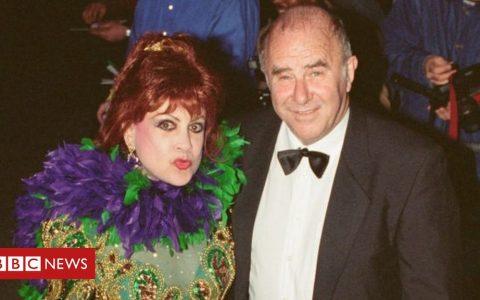 Margarita Pracatan: Cuban singer beloved of Clive James dies at 89