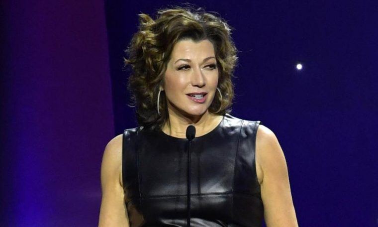 Amy Grant shares pictures of her heart surgery scar