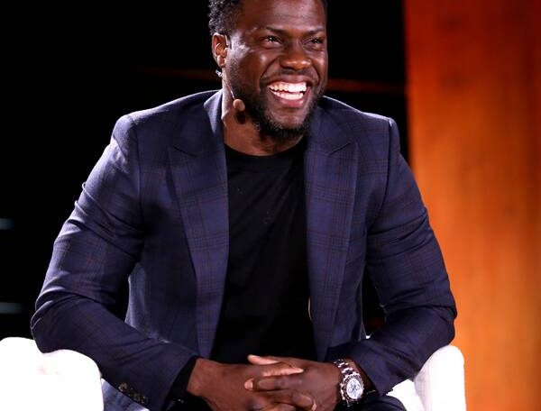 Watch Kevin Hart Host an LOL-Worthy Game Night With Famous Friends on E!'s Celebrity Game Face