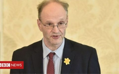 Coronavirus: Date of 17 August set for some NI pupils to return