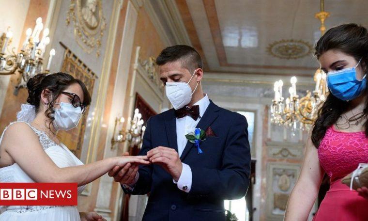 Coronavirus: New guidance for weddings in England