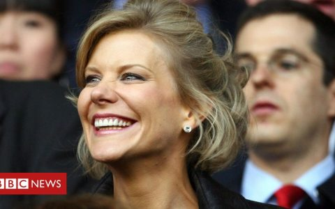 Finance chief quits over Amanda Staveley comments