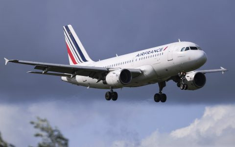 France presents aid package to 'save' aerospace industry
