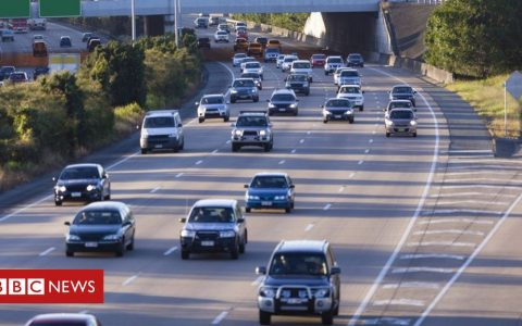 Increase car taxes to help climate, advisers say
