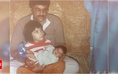 Kriti Sanon holding her baby sister Nupur in her lap in THIS throwback picture is surely the cutest thing you'll see on the internet today | Hindi Movie News