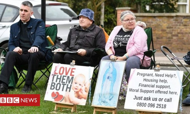MP seeks to ban demonstrations outside abortion clinics