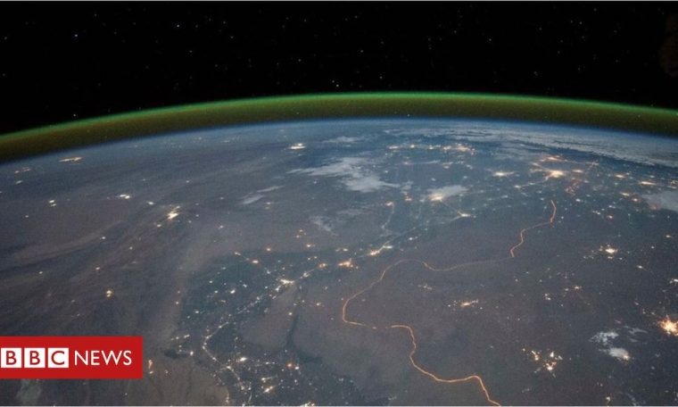Mars: Green glow detected on the Red Planet