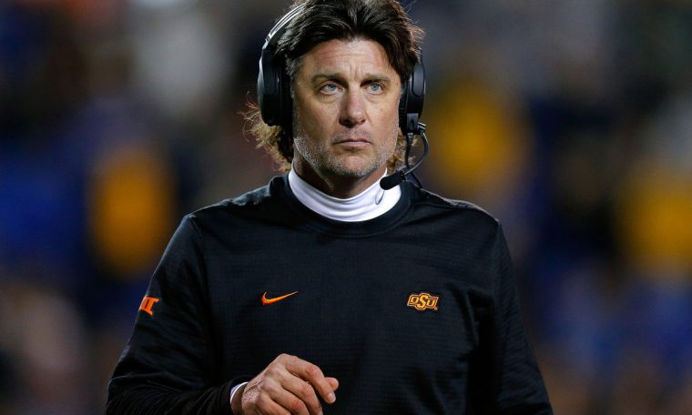 Mike Gundy calls self 'dumbass' for OAN shirt as old accusation resurfaces