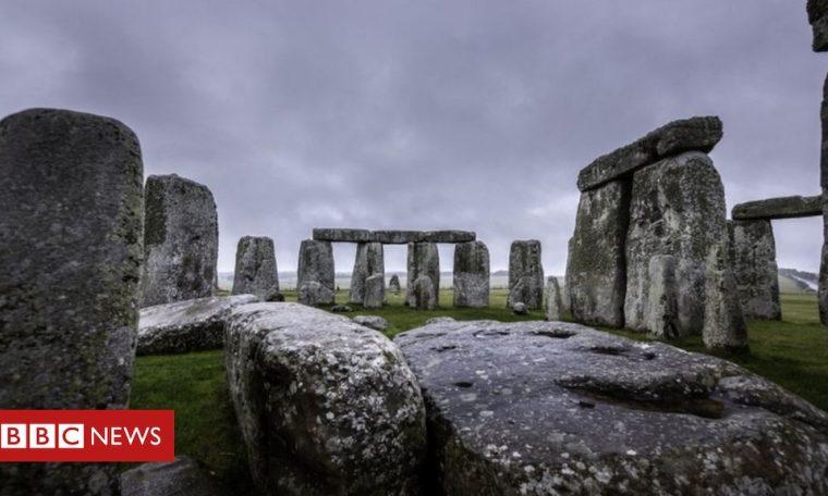 Stonehenge: Neolithic monument found near sacred site