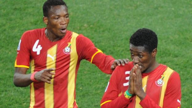 Pantsil consoles Gyan after missing the penalty.