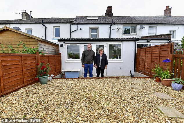 Auctioneer Colin West said he had forgotten to mention the problem with the back garden, which meant that the Frenches owned only 43 of its 258 sq ft