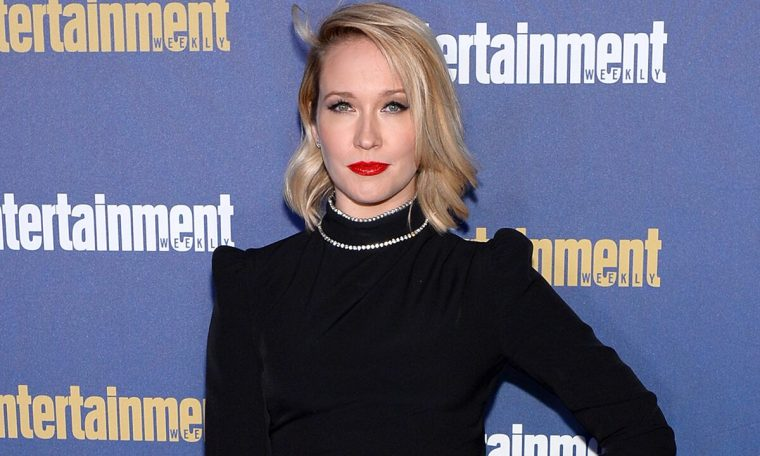 Anna Camp, who contracted COVID-19 after not wearing a mask 'one time,' has a warning: 'It can happen to anyone'