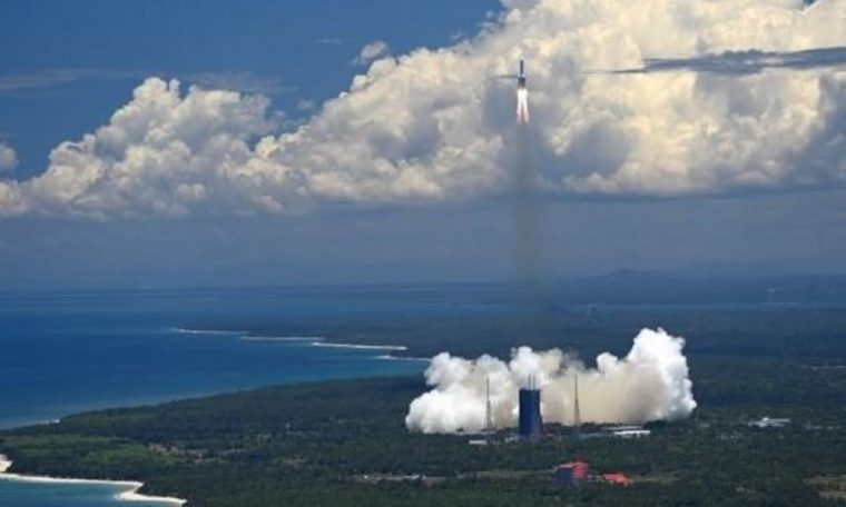 Tianwen-1: China launches first independent mission to Mars