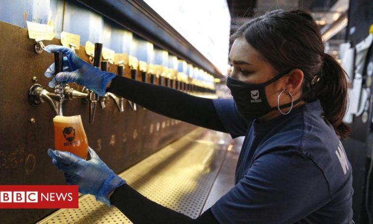 Coronavirus: Pubs, restaurants and hairdressers reopen in England