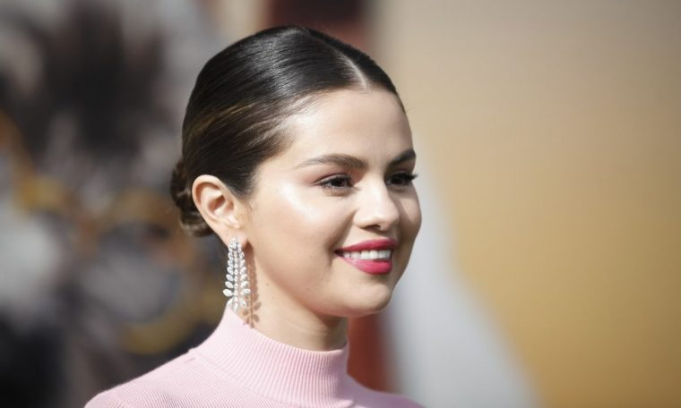 Selena Gomez attends the premiere of Universal Pictures