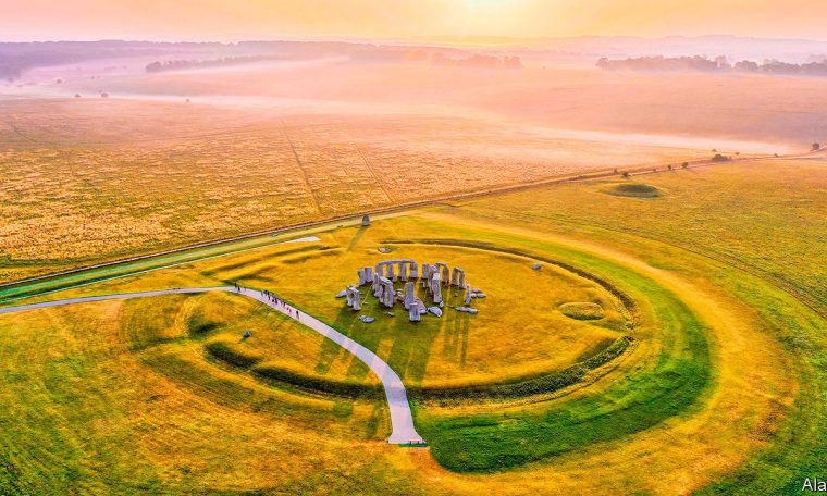 How illuminating - Measuring luminescence helps to date a remarkable new discovery at Stonehenge | Science & technology