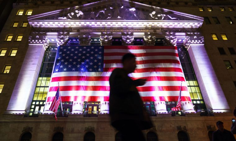 S&P, Dow futures dip ahead of jobless claims report