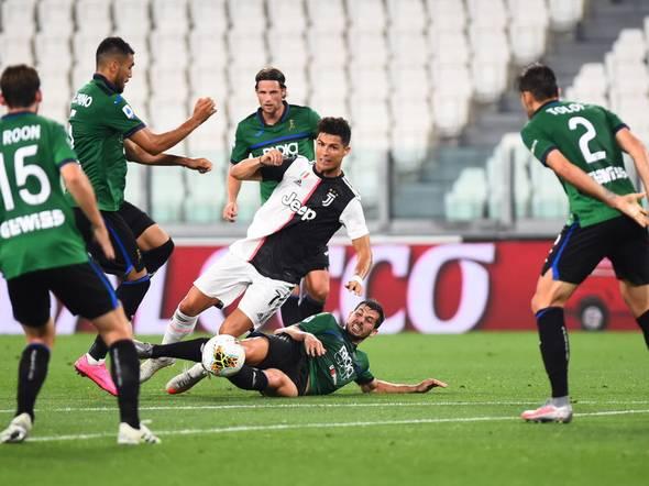 Juventus 1-2 Atalanta, Serie A LIVE: Malinovskyi thunderbolt puts visitor ahead