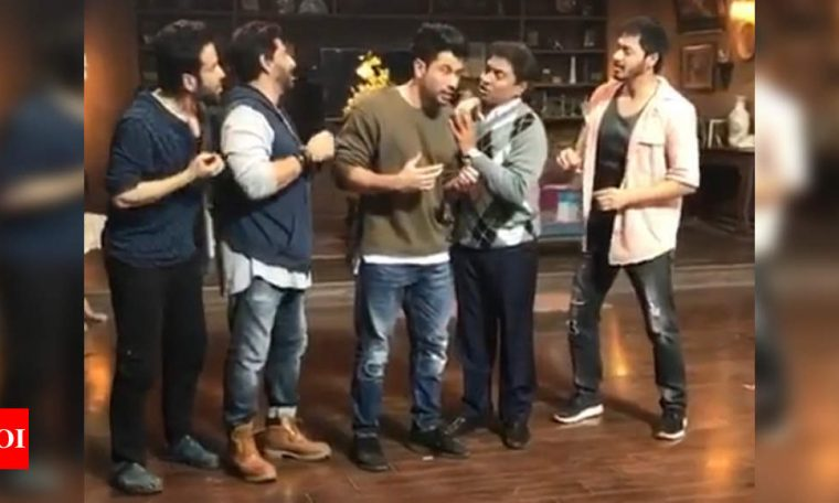 Kunal Kemmu shares a hilarious BTS from the sets of 'Golmaal Again', Parineeti Chopra threatens to expose him with many more gems | Hindi Movie News