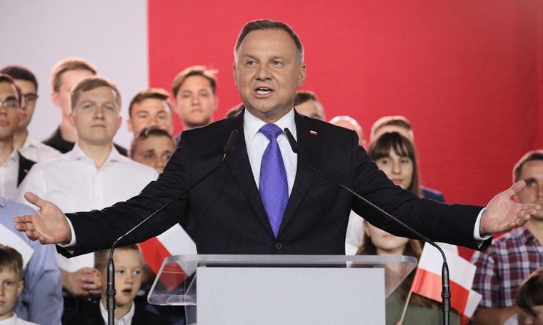 Poland's incumbent Andrzej Duda narrowly wins presidential vote | Elections 2018 News
