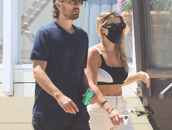 Sofia Richie Wears Scott Disick's Hoodie Amid Breakup, Kourtney Rumors