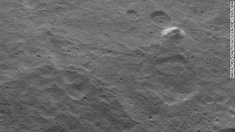 Dwarf planet Ceres reveals pyramid-shaped mystery