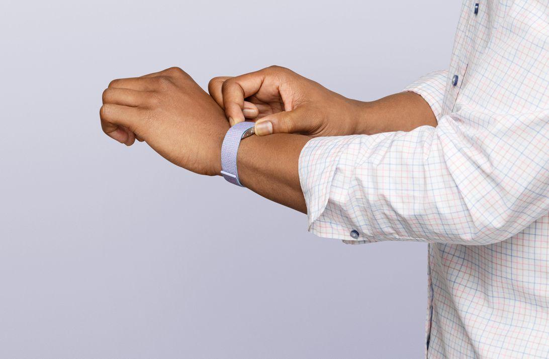 winter-halo-band-on-wrist-1