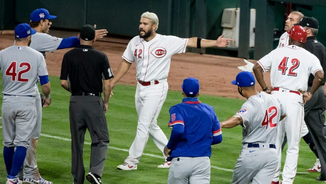 Benches clear, 5 ejected from Cincinnati Reds-Chicago Cubs game