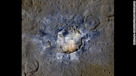 Spacecraft finds bright craters on Ceres