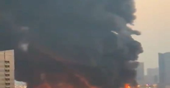 Massive fire breaks out in Ajman market [WATCH]