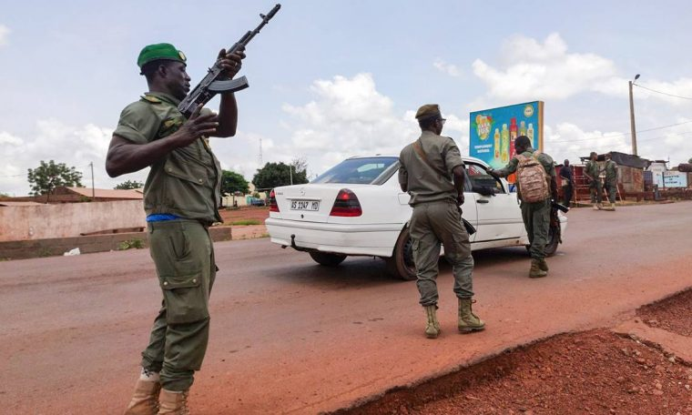 Mali's president and prime minister held by mutinous troops