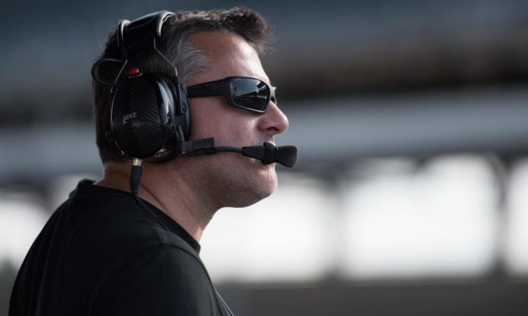 Tony Stewart: NASCAR should 'do the right thing,' allow Kyle Larson to return