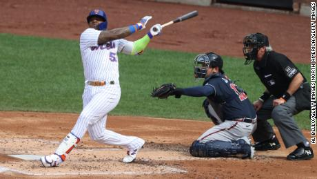 Céspedes bats against the Atlanta Braves at Citi Field on July 24.