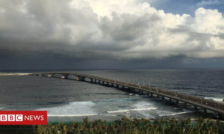 Debt dog 'Maldives' 'bridge of prosperity'