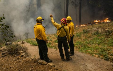 Oregon fires: Oregon officials fight conspiracy theories as firefighters fight flames