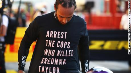 Hamilton wears a shirt to pay tribute to Taylor during Sunday's GP.