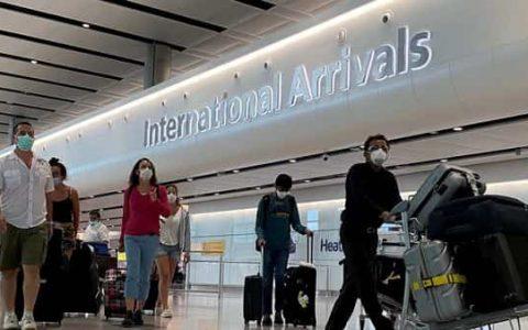 Passengers from international flights (REUTERS)