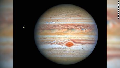 Hibel spies stormy weather on Jupiter