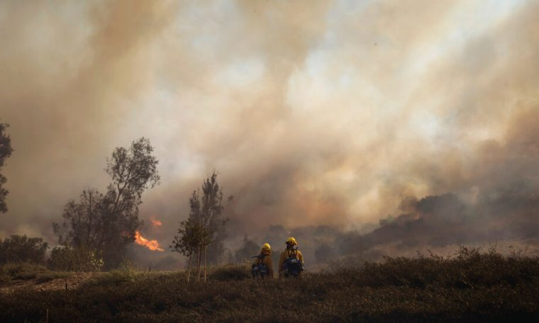 Thousands forced to flee California fires