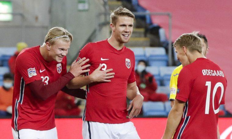 Watch: ga DeGuard's two assistants vs. Romania