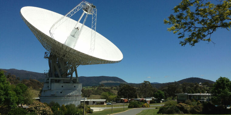 NASA calls Voyager 2, and answers from the spacecraft's north wire