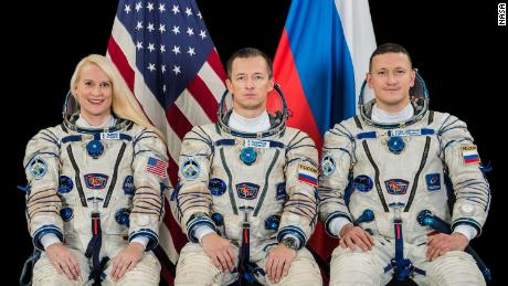 NASA astronaut, Russian cosmos launches space station