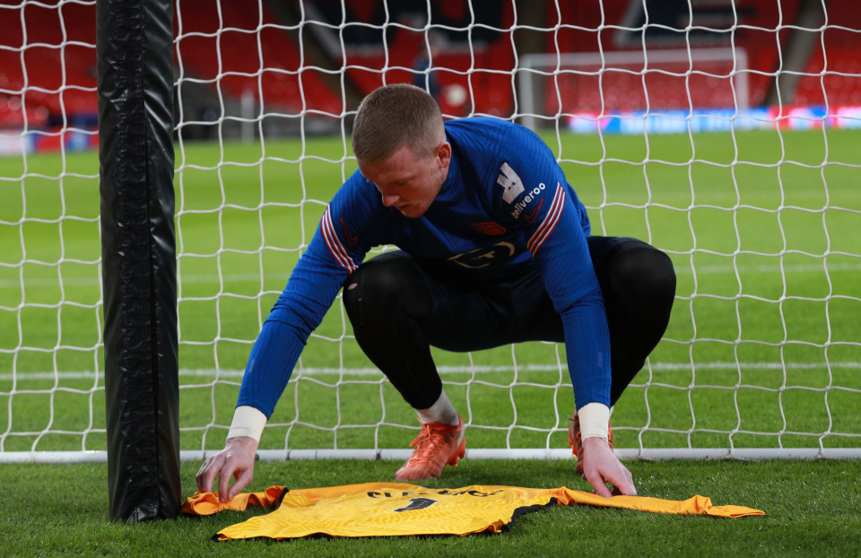 Pickford put the shirt behind the target in honor of the shirt