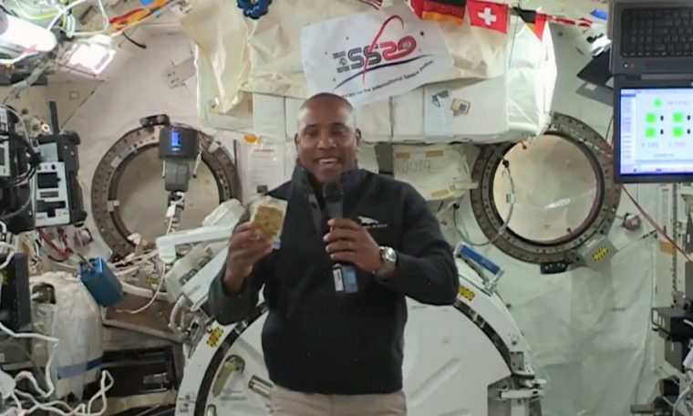 NASA can not decide whether astronauts should wash their underwear