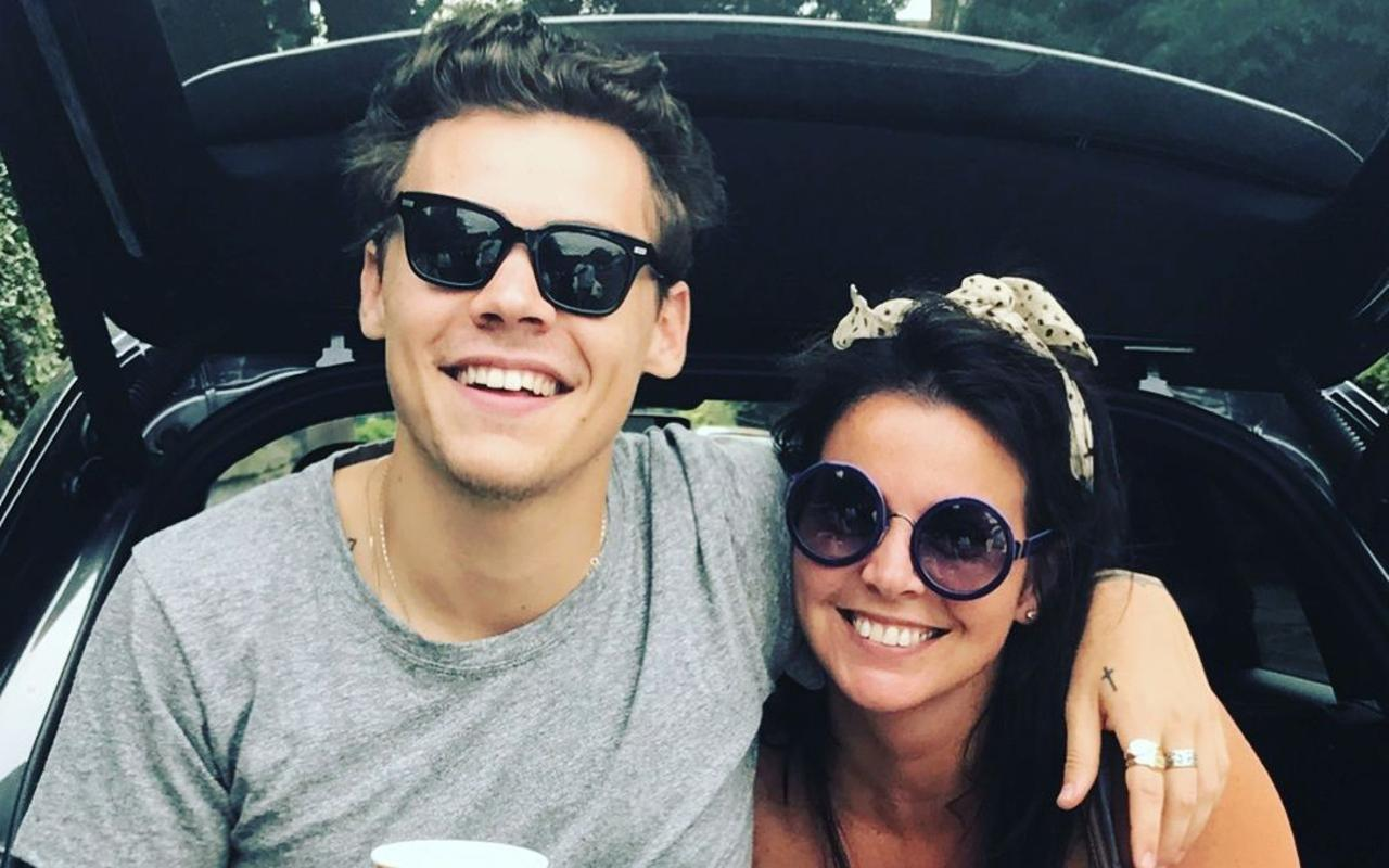 Harry Styles defended by mom after being criticized for wearing clothes