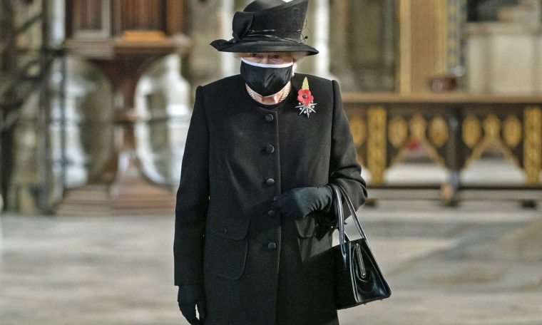 Queen Elizabeth Wears Face Mask for First Time at Remembrance Day Event
