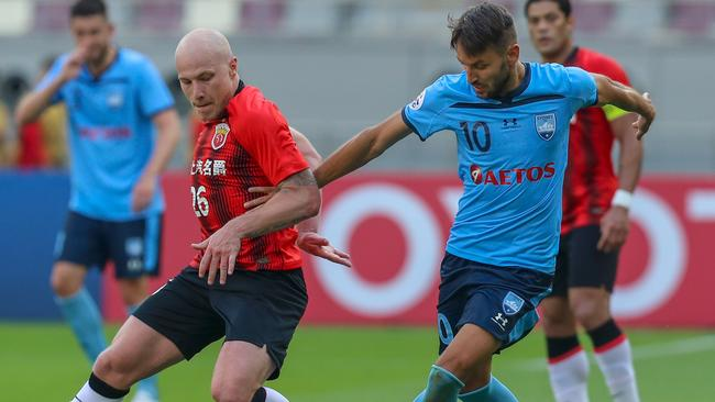 Sydney FC lost to Aaron Mui to Shanghai SIPG