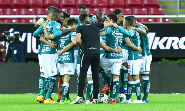 Chivas vs Lynn: It was a great game between Joel Campbell and Fernando Navarro to open the scoring in the first leg of the Liga MX semifinals.